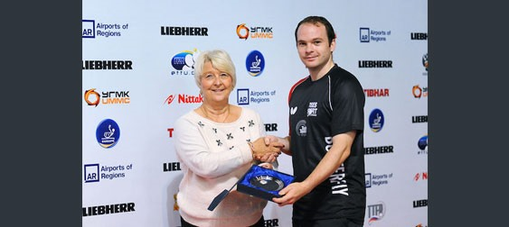 Paul Drinkhall (right) with Sandra DEATON, the Chair of Table Tennis England, Photo: Alex LOMAEV